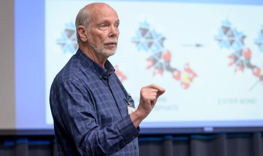 Биохимик Дэвид Димер: «Жизнь могла зародиться в луже под тенью вулкана»