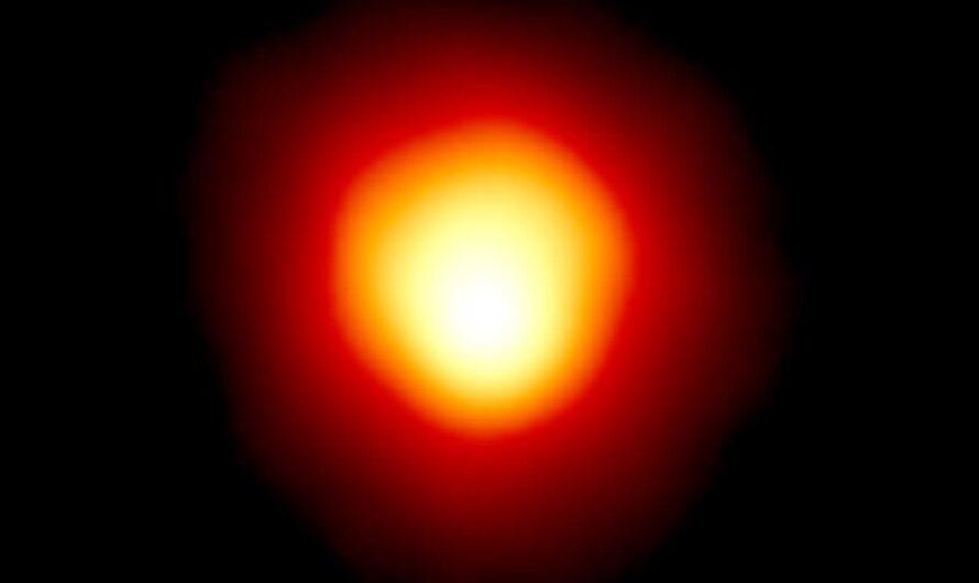 Звезда Бетельгейзе продолжает тускнеть, готовясь к взрыву