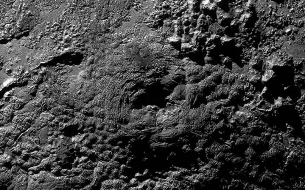 Странные горы на Плутоне