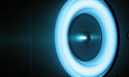 Этот двигатель нарушает законы физики, и учёные не могут найти подвоха. В это трудно поверить… Если всё так, как пишет Wired, перед человечеством вот-вот откроется новая эра — Эра космических путешествий.