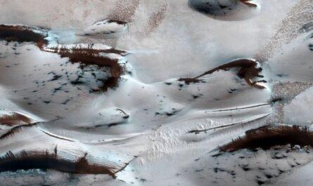 Следы весны на Марсе