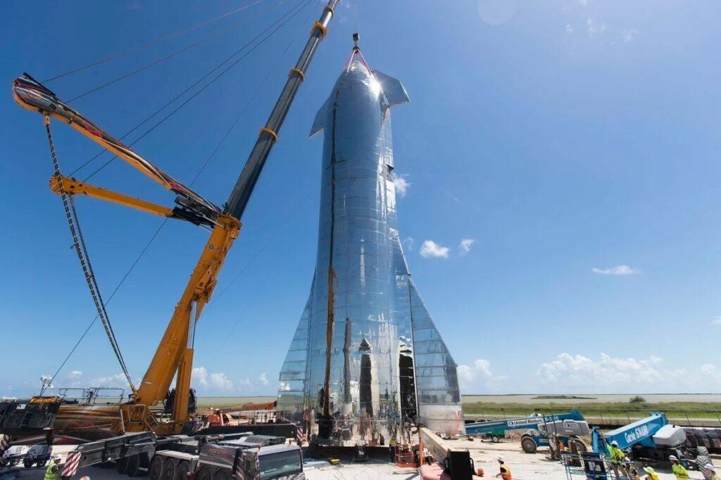 NASA профинансировало создание звездолета SpaceX, который доставит людей на Луну