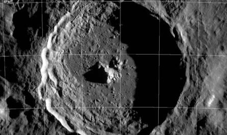 Пролетая над Луной: кратер Тихо