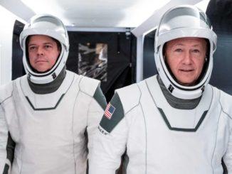 Состоялся исторический запуск SpaceX Crew Dragon с астронавтами к МКС
