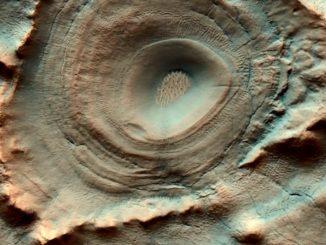 Пролетая над Марсом: снимки за 01.06.2020
