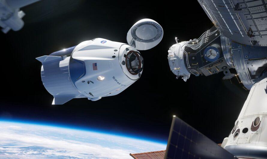 Космический корабль SpaceX Crew Dragon вернет астронавтов на Землю 2 августа