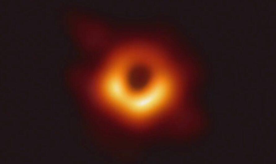 Исследование: из черной дыры можно извлечь «фрагменты истории»