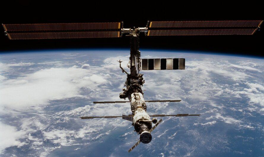 На МКС произошла утечка воздуха. Экипаж перебрался в российский сегмент