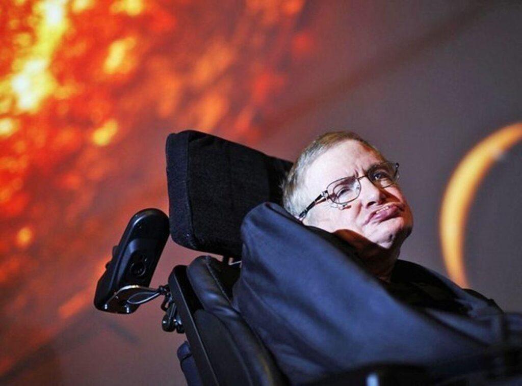"""Стивен Хокинг предупреждал об угрозе появления """"суперлюдей"""" с измененной ДНК"""