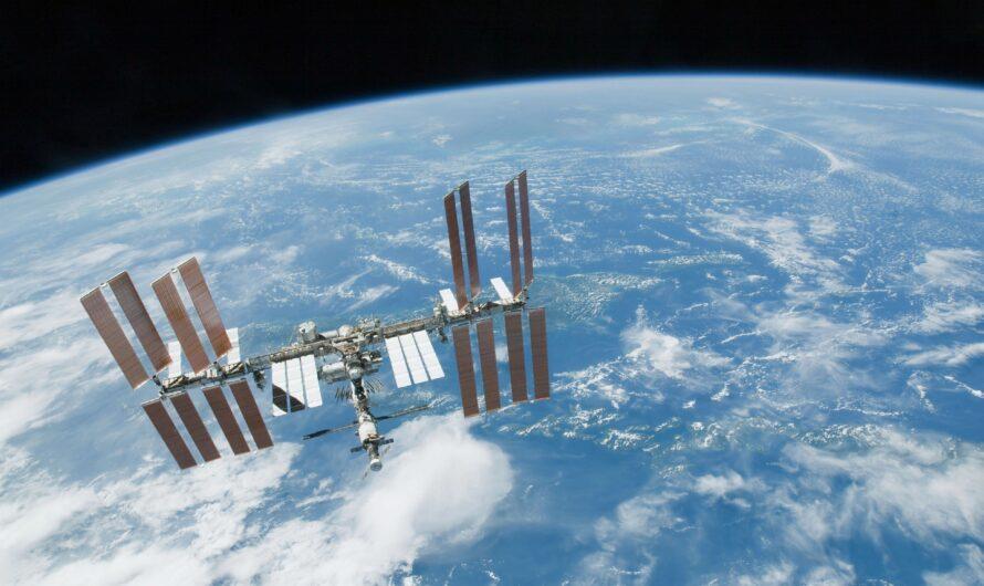 МКС пришлось уклоняться от космического мусора