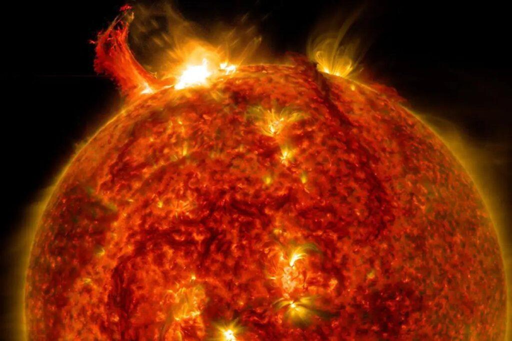 В недрах звезд может скрываться странная внеземная жизнь