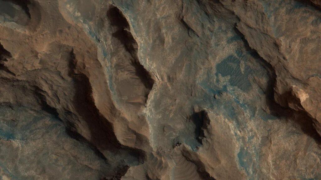 Пролетая над Марсом: снимки за 01.09.2020