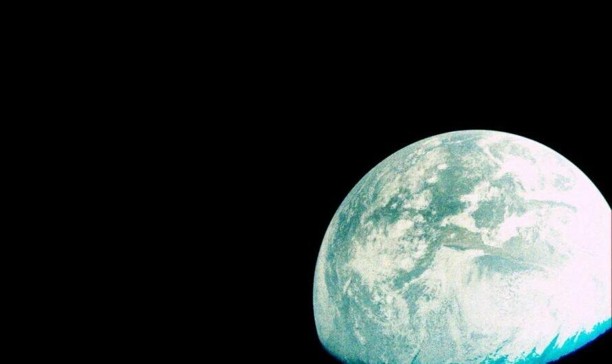 Израильский луноход Beresheet показал восход Солнца над Землей