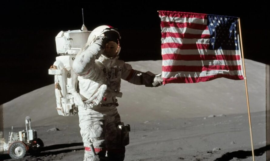NASA «Аполлон-17»: 360-градусная панорама Луны