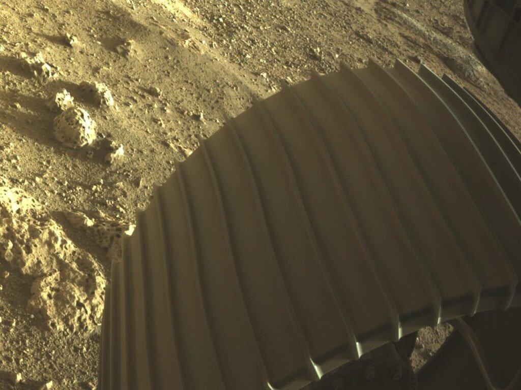 Марсоход NASA Perseverance успешно сел на Марсе!