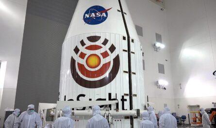 NASA InSight летит к Марсу