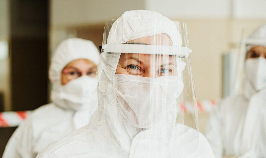 Bloomberg: вакцина Pfizer-BioNTech предотвращает передачу COVID-19 на 89,4%