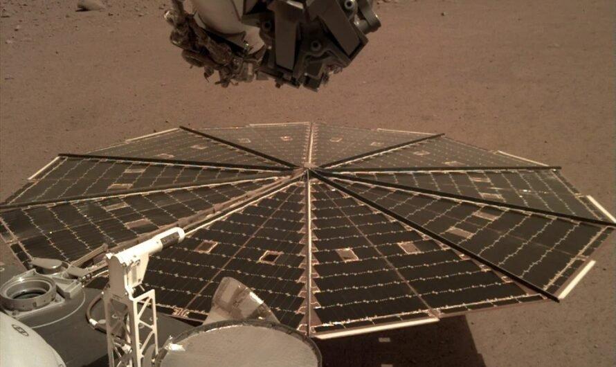 Марсианский аппарат NASA InSight наткнулся на препятствие и приостановил работу