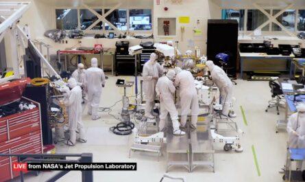 За сборкой нового марсохода NASA можно наблюдать в прямом эфире