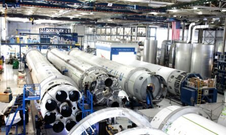 """В США раскритиковали """"Роскосмос"""" за нападки в адрес SpaceX"""