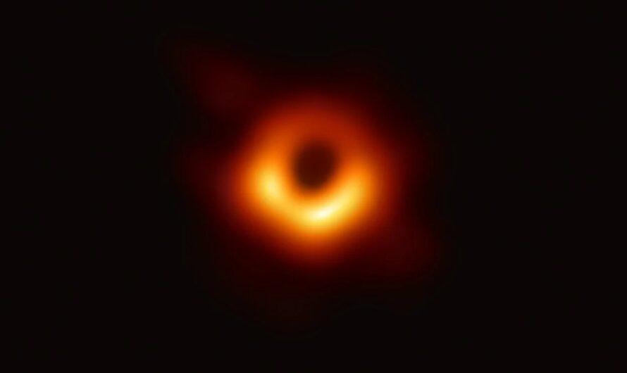 Event Horizon Telescope: первый в истории снимок горизонта событий