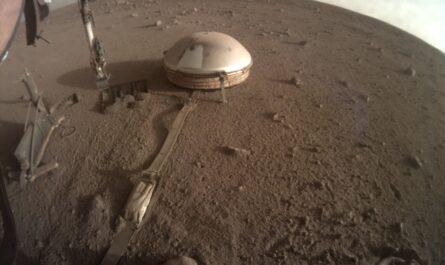 NASA предпринимает экстренные меры, чтобы спасти марсианский посадочный модуль InSight