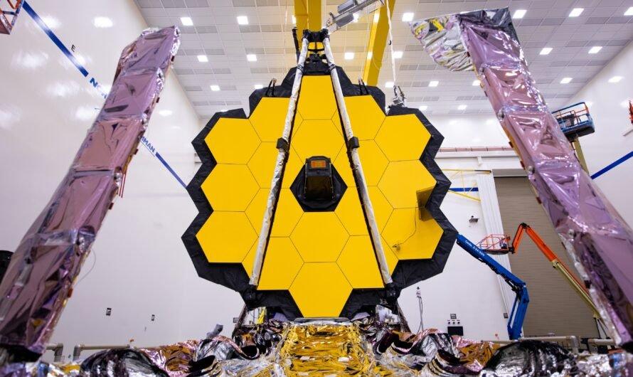 Космический телескоп NASA «Джеймс Уэбб» в последний раз развернул свои золотые зеркала перед запуском