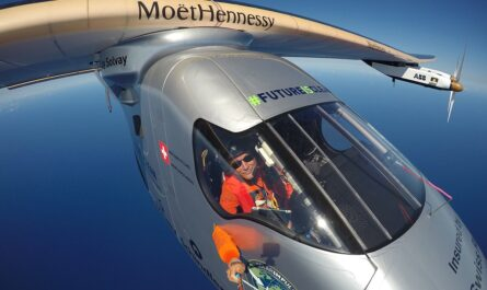 Solar Impulse 2 на пути в Испанию