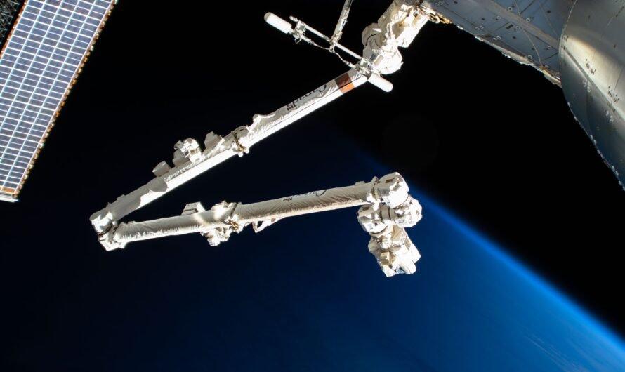Космический мусор пробил дыру в роботизированной руке на МКС