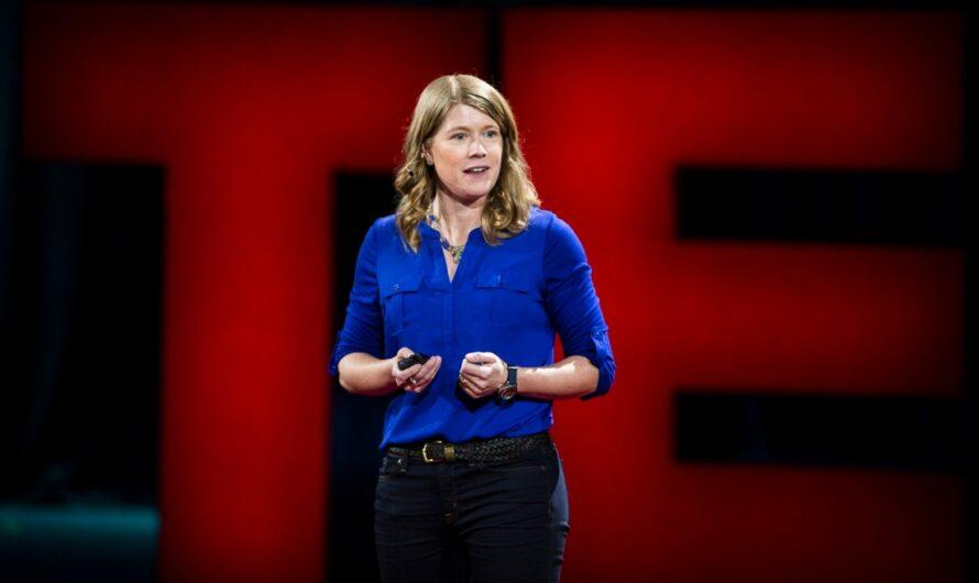 Сара Паркак — легендарный космический археолог